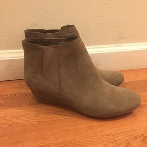 Nine West lillian boot wedge almond toe taupe